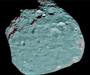 asteroid-vesta-equator-anaglyph-desk-lg.jpg