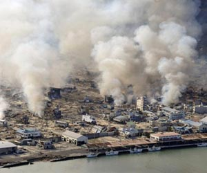 http://www.spacedaily.com/images-lg/japan-earthquake-yamada-on-fire-lg.jpg